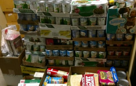 Westfield Food Pantry and The Batter's Box Team Up for Thanksgiving Food Drive